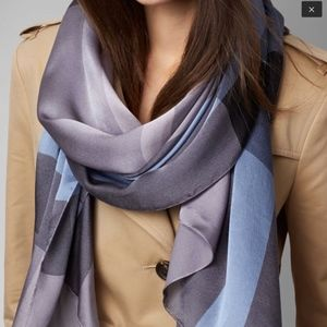 Burberry Lightweight Check Large Silk